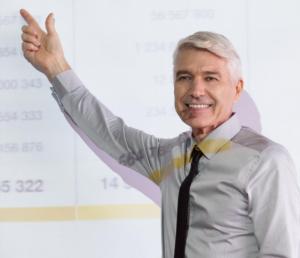 Homem de negócios e gráfico